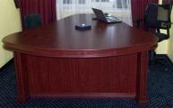 Письменный стол руководителя